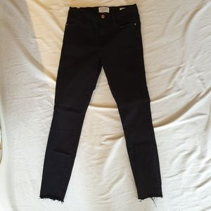 Frame le high skinny black denim frayed hem 26
